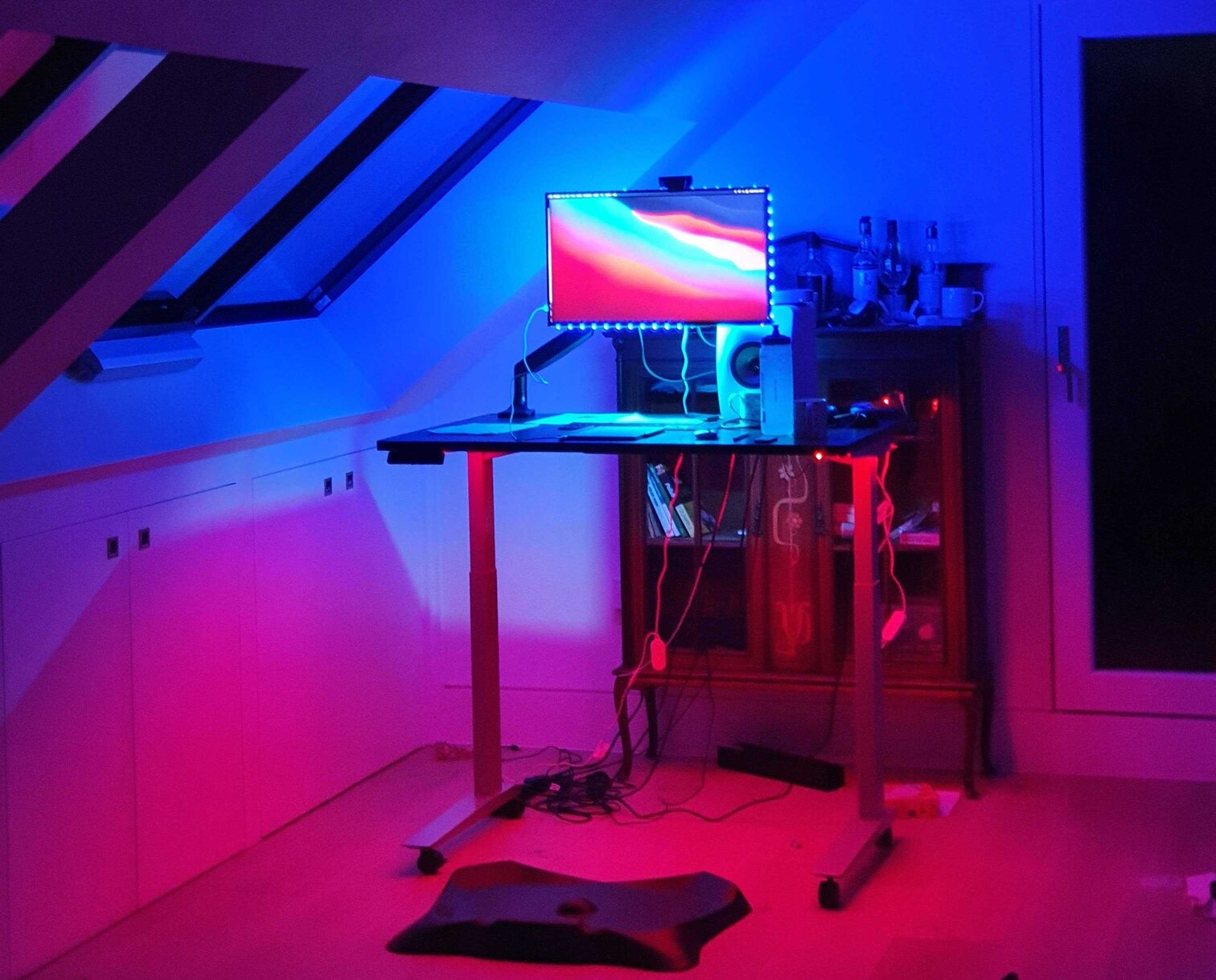 funky lighing is one of the most creative home office ideas